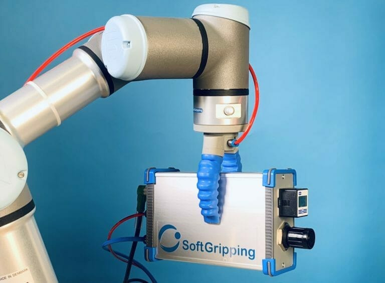 cobot with gripper and controller