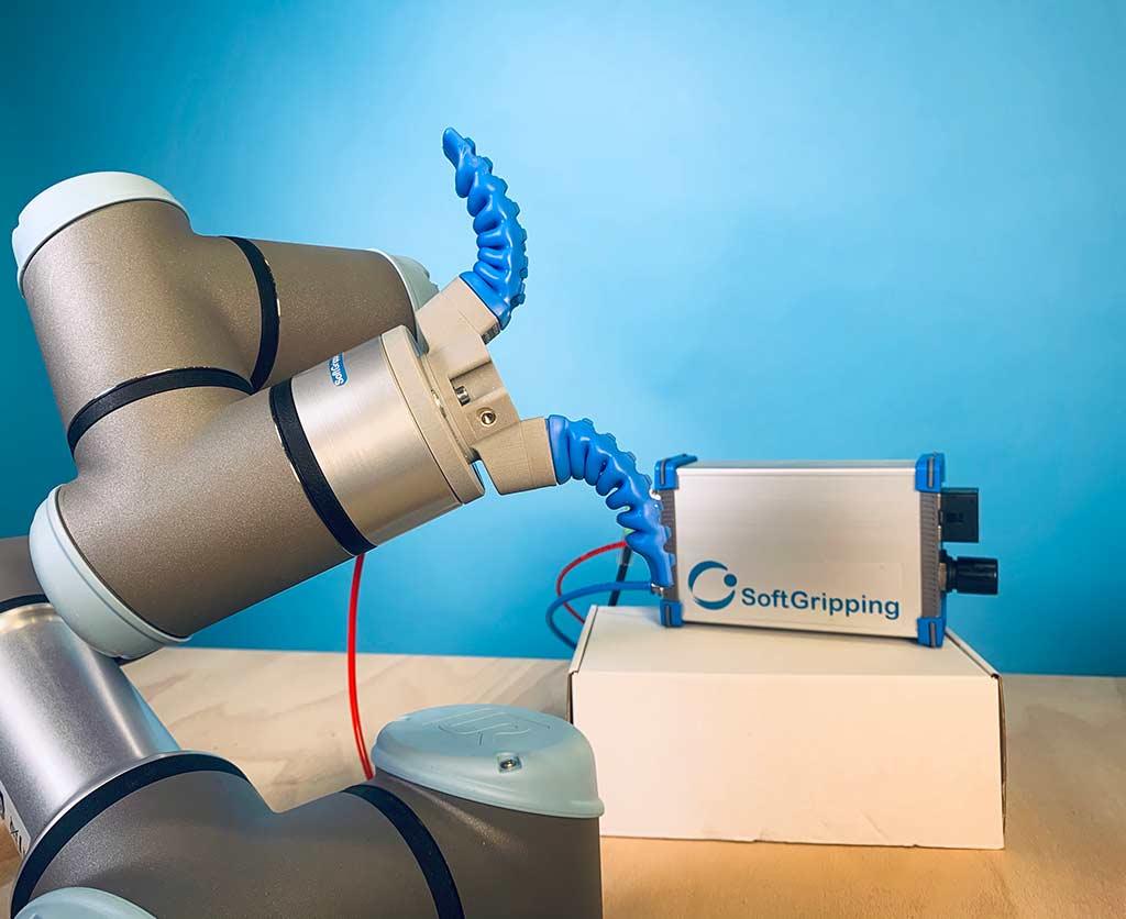 Pneumatic controlbox opens soft robot gripper